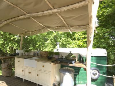 YURT KITCHEN MEDIUM C:U 1