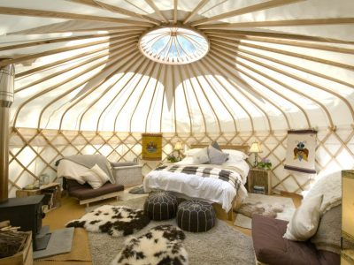 YURT W-S INTERIOR FROM DOOR